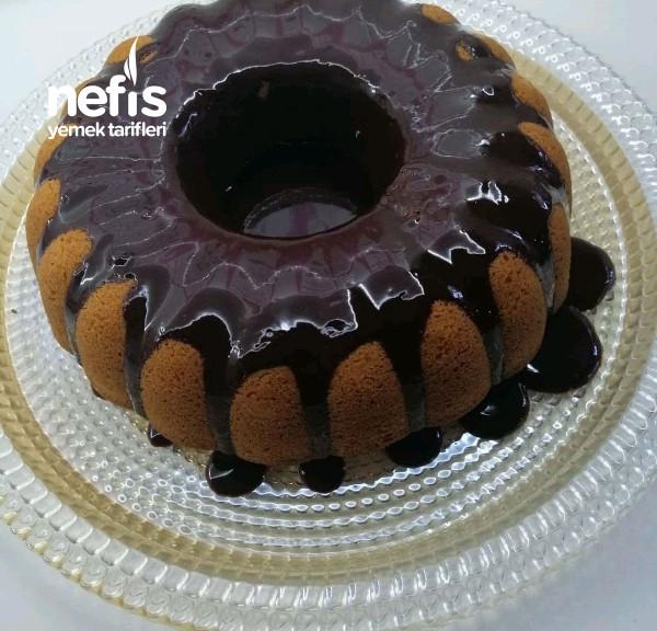 Bol Çikolata Soslu Mozaik Kek