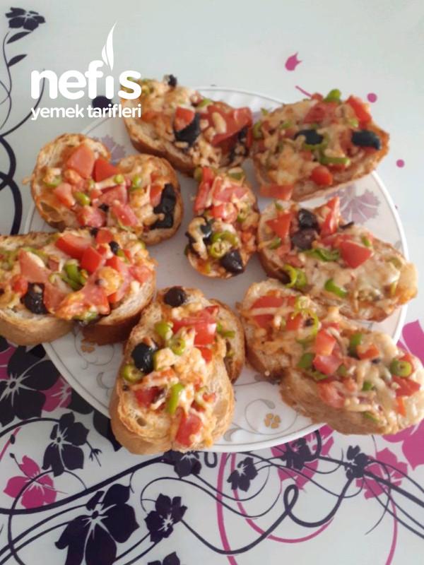 Kahvaltılik Pratik Bayat Ekmek Pizzası