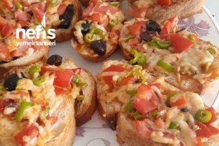Kahvaltılık Pratik Bayat Ekmek Pizzası Tarifi
