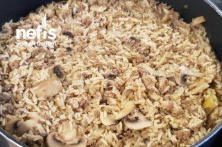 Kıymalı Mantarlı Pirinç Pilavı Tarifi