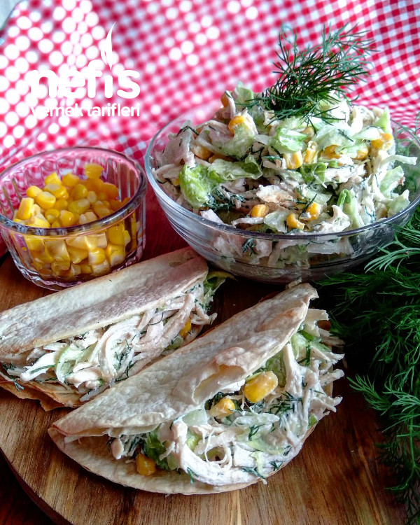 Labne Peynirli Tavuk Salatası