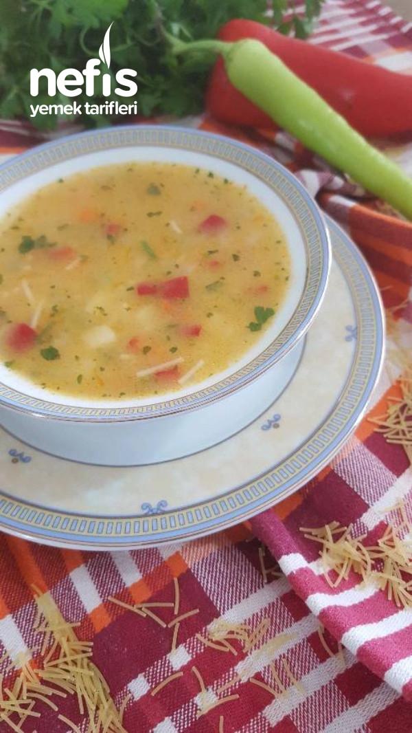 Şehriyeli Sebze Çorbası