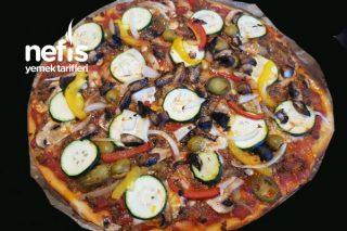 Taş Tepside Kıymalı Pizza Tarifi