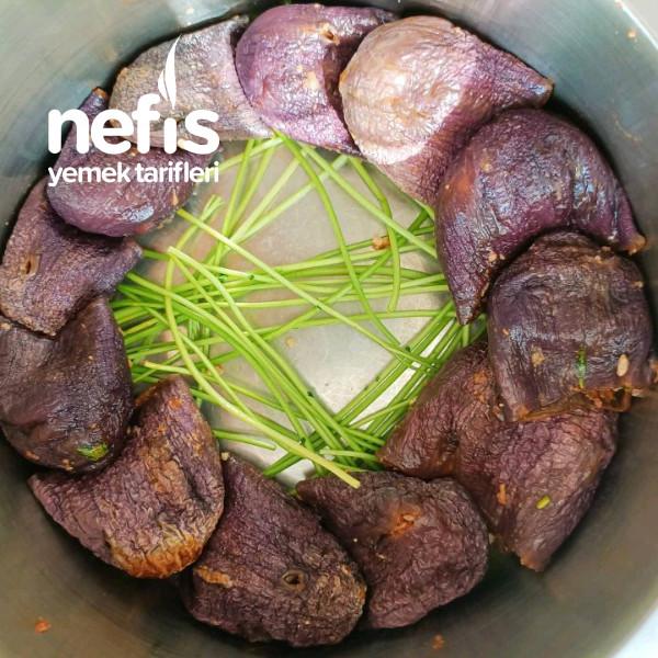 Etli Kuru Patlıcan Ve Kırmızı Biber Dolması
