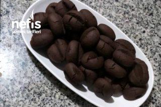 Kahvenin Yanına Muhteşem Kahve Çekirdeği Şeklinde Kurabiye Tarifi