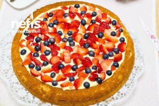 Meyveli Tart Kek (Çok Kolay) Tarifi