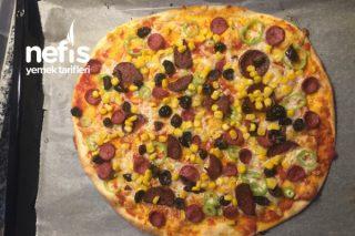 Hamuru İnce Ve Çıtır Nefis İtalyan Pizza Tarifi