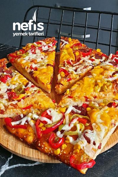 Yumuşacık Hamuruyla Pizza