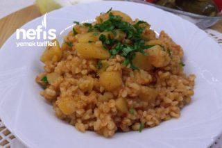 Patatesli Bulgur Pilavı (Videolu) Tarifi