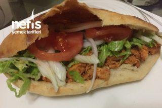 Pita Ekmeği İle Evde Tavuk Döner Tarifi