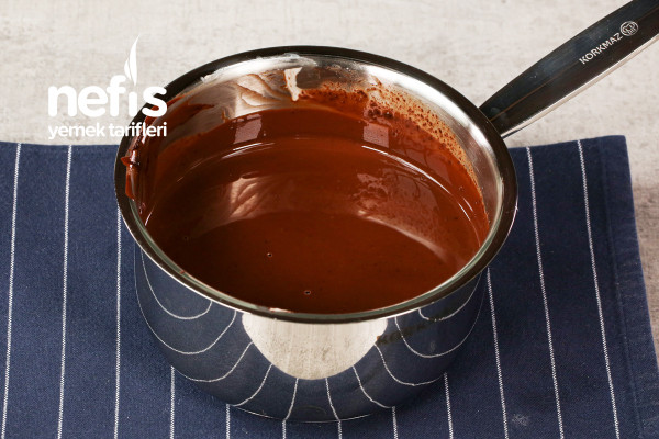 Saklıköy Bitter Çikolatalı Tart Tarifi