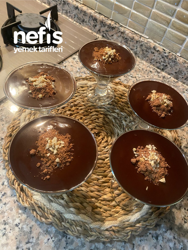 Çikolata Soslu Bisküvili Muhallebi