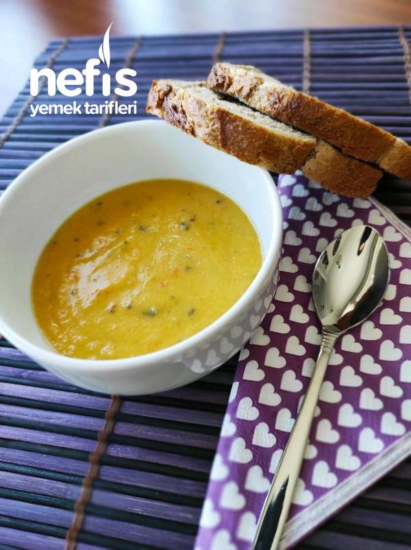 Farklı Çorba Arayanlar İçin Pırasalı Patates Çorbası