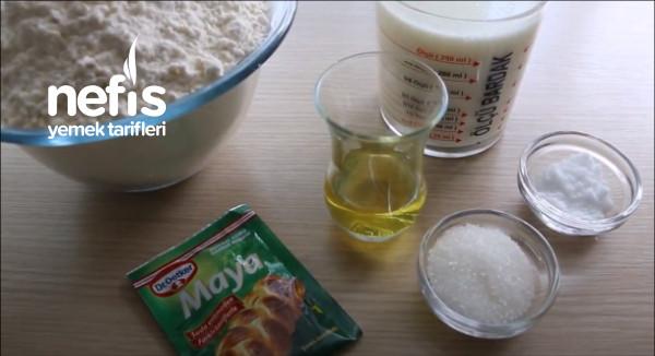 Kek Kalıbında Sütlü Ekmek (Videolu)