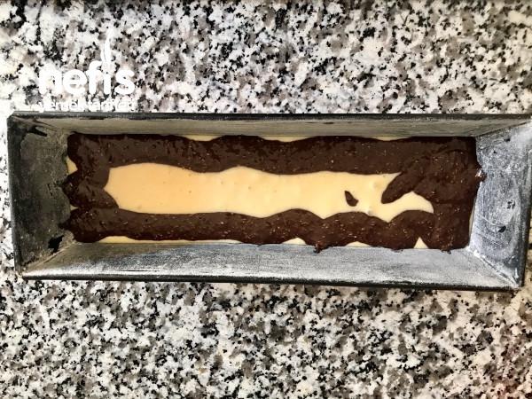 Pudra Şekerli Çikolatalı Kek
