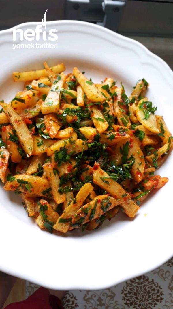 Domates Soslu Patates Salatası