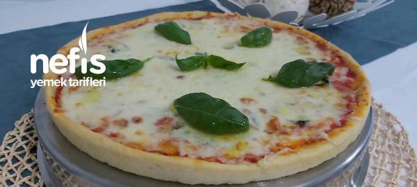 Fesleğenli Pizza Margarita