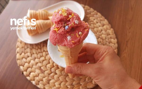 Sadece 3 Malzemeli Seker Yok Saatlerce Karıştırma Yok Çilekli Dondurma-9415945-170527