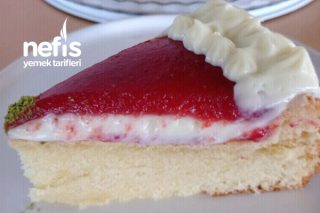Kremalı Çilek Soslu Pamuk Kek (Kolay Pasta Diyebiliriz) Tarifi