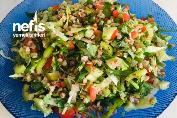 Hacmi Büyük Kalorisi Düşük Kara Buğdaylı Salata