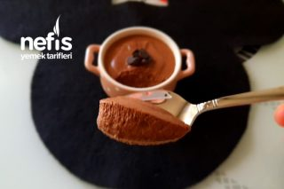 Çikolatalı Mousse (Çok Pratik Çok Lezzetli) Tarifi