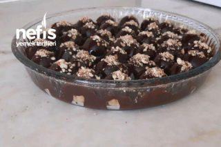 Çikolata Soslu Elmalı Bisküvi Topları Tarifi