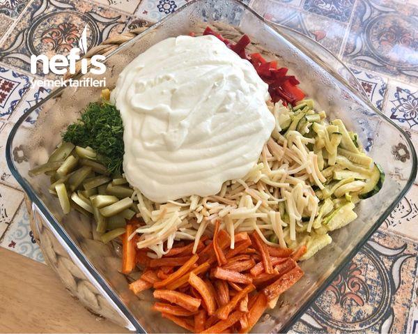 Yoğurtlu Erişteli Sebze Salatası-9456854-090530