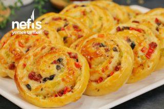 Yumuşacık Rulo Pizza Poğaça Tarifi (videolu)