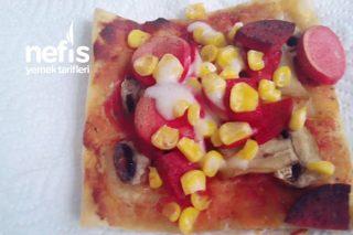 Milföy Hamuru İle Pratik Pizza Yapımı Videolu Tarifi