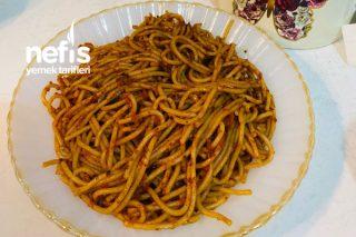 Spagetti (Sarımsak ve Salçalı) Tarifi