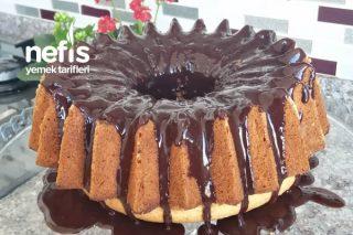 Akışkan Çikolata Sosu İle Nefis Hindistan Cevizli Kek Tarifi