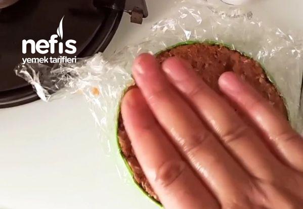Dışarda Yediğiniz Hamburgerleri Unutturacak Lezzette Bir Hamburger-9509886-070634
