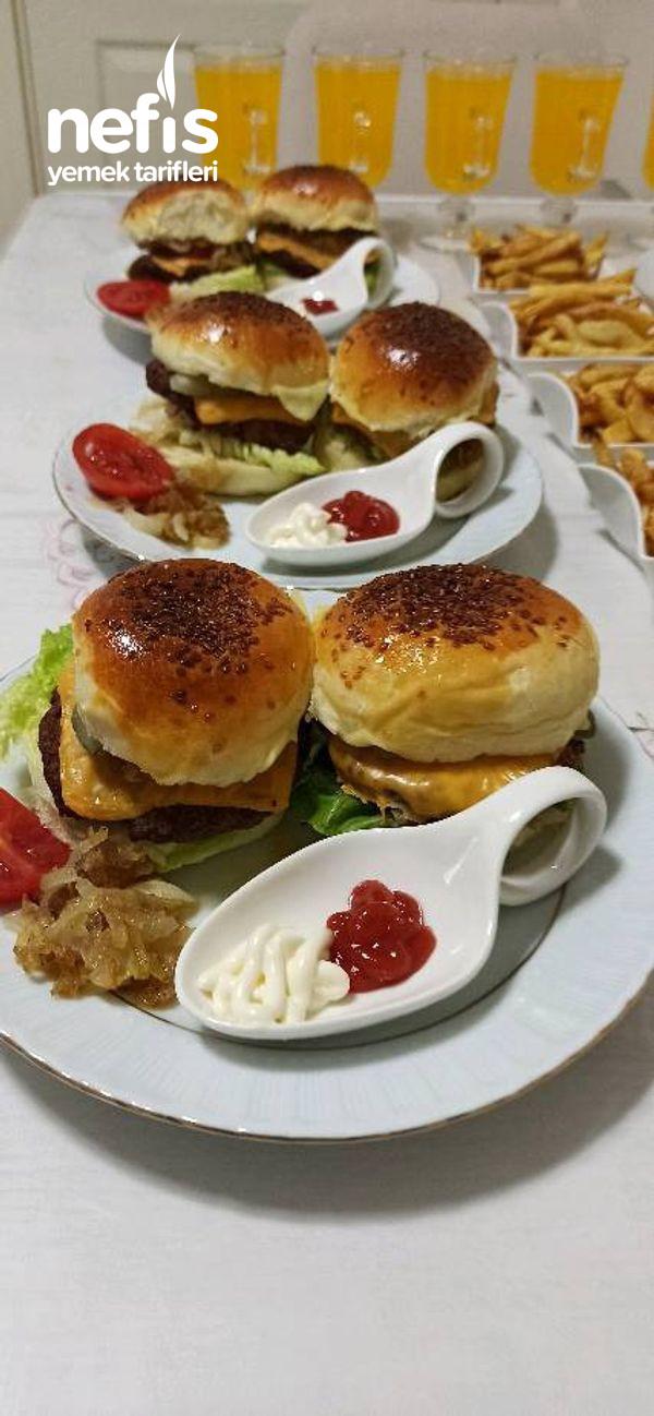 Dışarda Yediğiniz Hamburgerleri Unutturacak Lezzette Bir Hamburger-9509886-070658