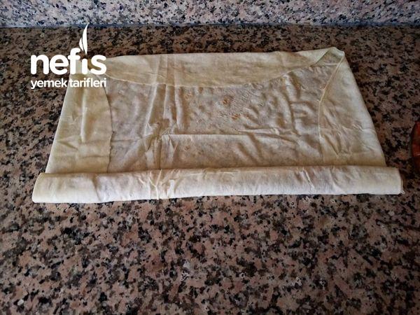 Enfes Lezzetiyle Patlıcanlı Börek