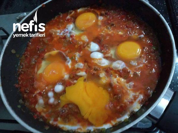 Sebzeli Kıymalı Yumurta