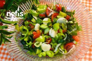 Nar Ekşili Erikli Çoban Salatası Tarifi