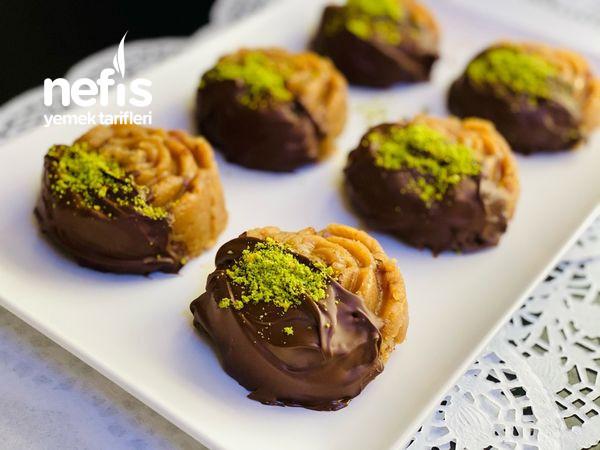 Efsane Un Helvası, Çikolata Kalıplı (Pekmez Ve Fındıklı) (Asla Şaşmayan Ölçü)