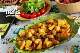 Sarımsaklı Biberiyeli Çıtır Patates (Asla Yumuşamıyor) Tarifi