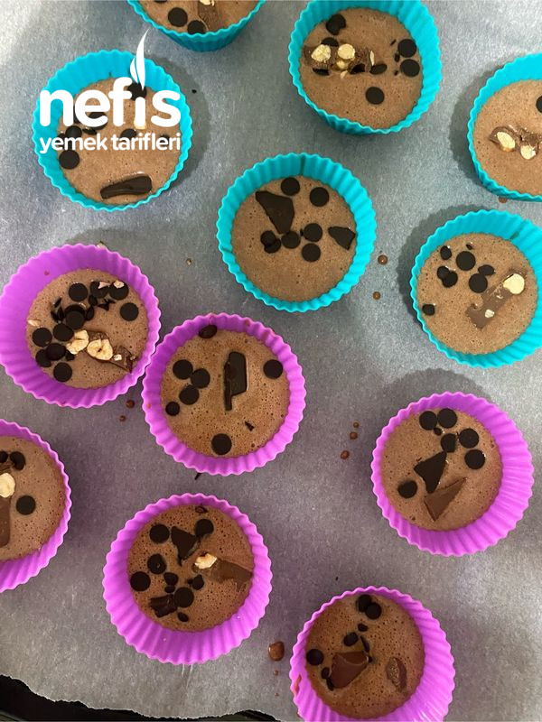 Çikolata Parçacıklı Muffin