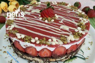Çilek Soslu Cocostar Mozaik Pasta Tarifi