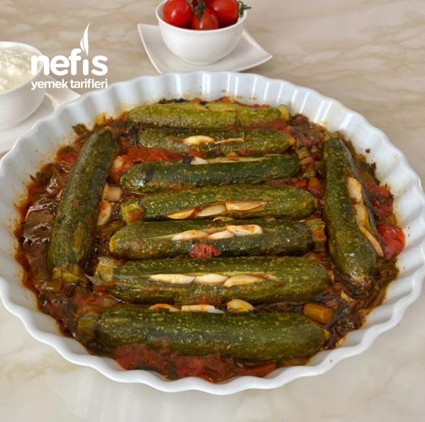 Fırında Domates Soslu Zeytinyağlı Kabak Yemeği