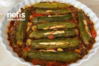 Fırında Domates Soslu Zeytinyağlı Kabak Yemeği Tarifi