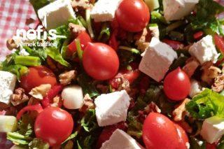 Rokalı Bol Malzemeli Nefis Diyet Salatası Tarifi