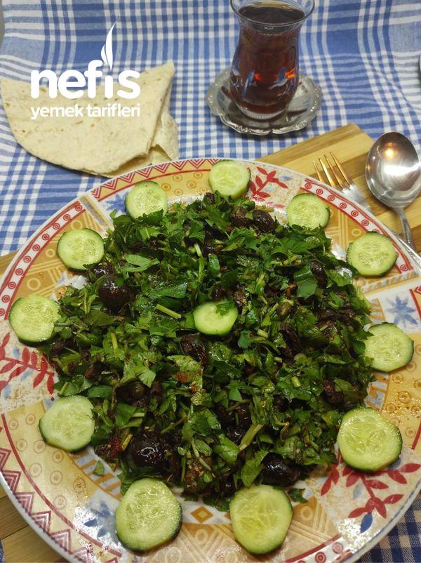 Zeytinli Yeşillik Salatası