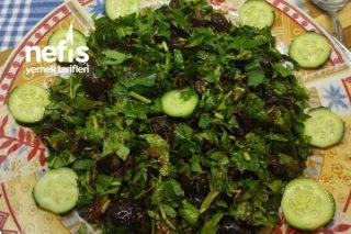 Zeytinli Yeşillik Salatası Tarifi