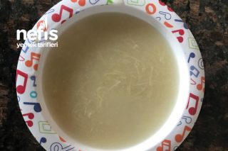 Bebişlere Tavuk Sulu Şehriye Çorbası Tarifi