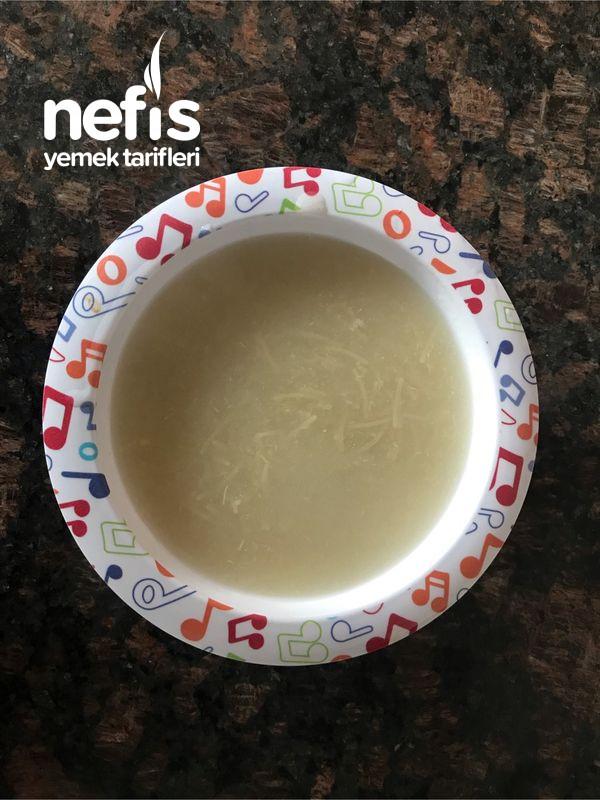 Bebişlere Tavuk Sulu Şehriye Çorbası