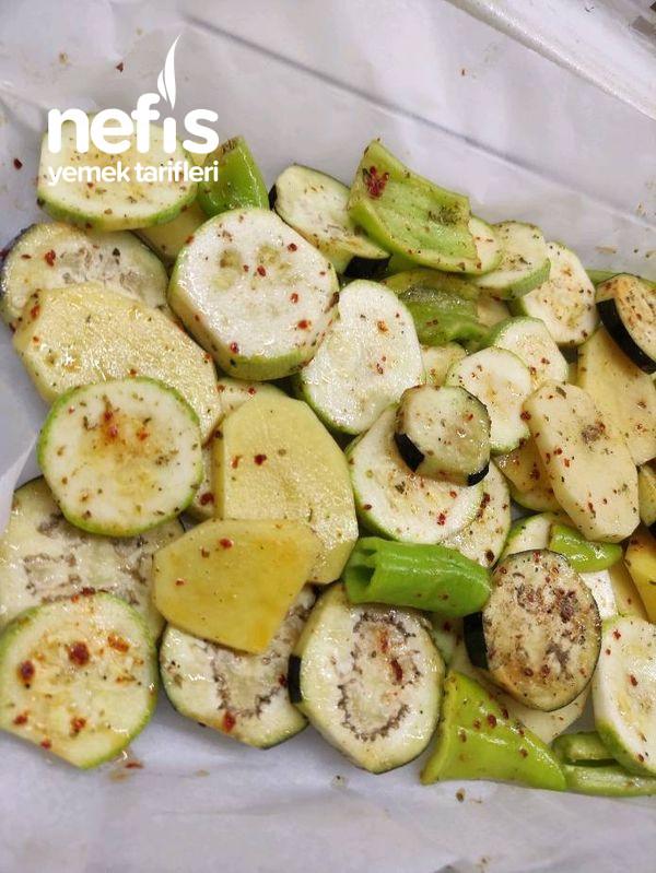 Tam Yaz Yemeği Fırında Sebze Kızartması
