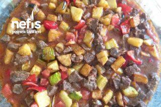 Güveç Lezzetinde Sebzeli Etli Fırın Yemeği Tarifi