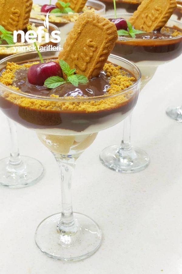 Cupta Çikolata Soslu Kedidili Tatlısı